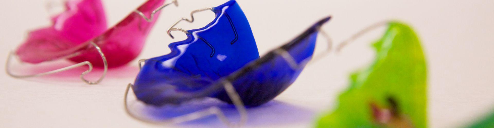 Пластинки на зубы для выравнивания зубов